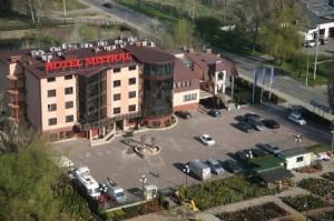 Hotel-Mistral-Marki-681001